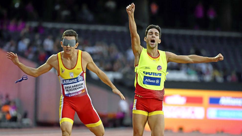 Gerard Descarrega y Marcos Blanquiño, en la final de 400 metros de...
