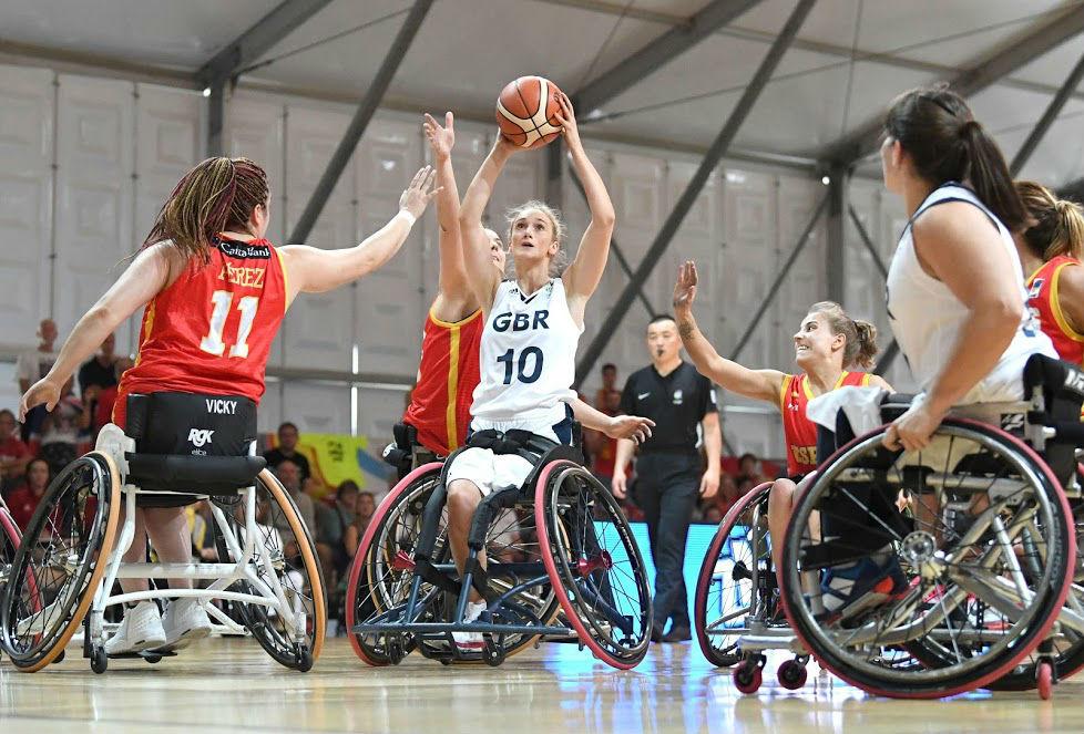La selección española en silla de ruedas en su partido de hoy ante...