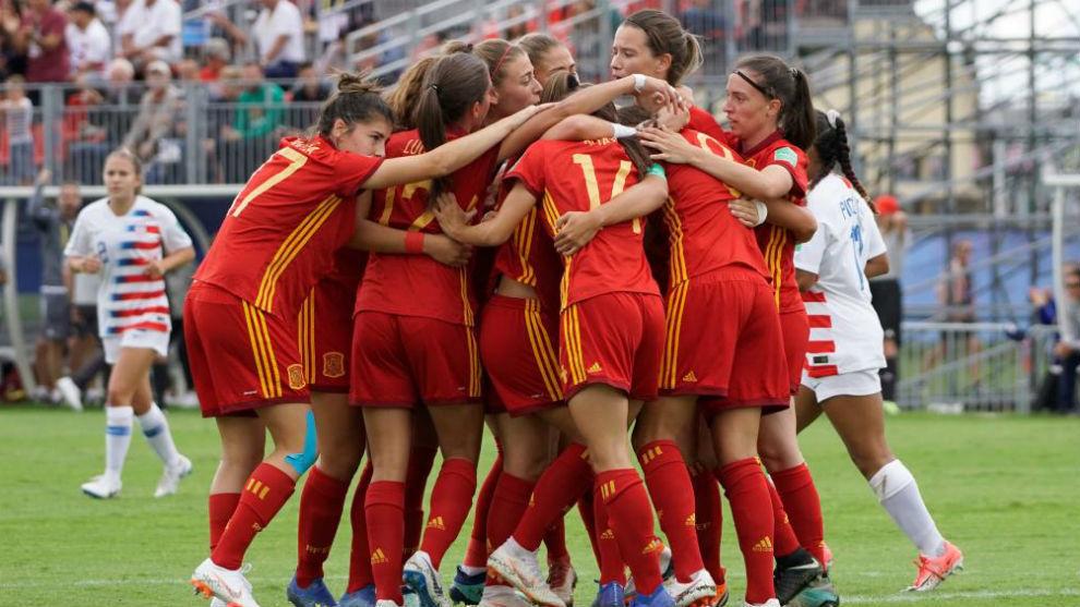 La selección española, celebrando uno de los goles ante Estados...