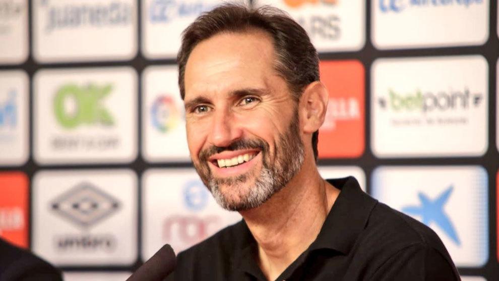 Vicente Moreno durante rueda de prensa tras finalizar el partido