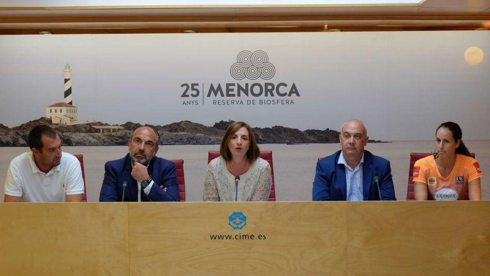 Firma y anuncio del acuerdo entre el Consell Insular de Menorca y el...