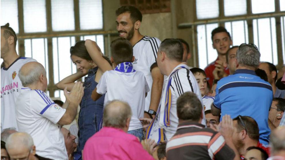 Borja acudió a La Romareda en el primer partido.