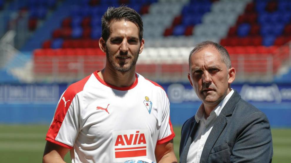 Bigas, en su presentación como nuevo jugador del Eibar