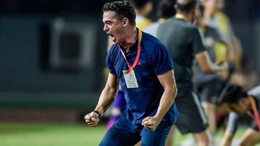 Luis García Plaza celebra un gol del Beijing Renhe durante la...