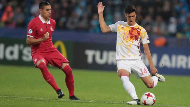 Uros Djurdjevic presiona a Mikel Merino, en un partido con la sub 21.