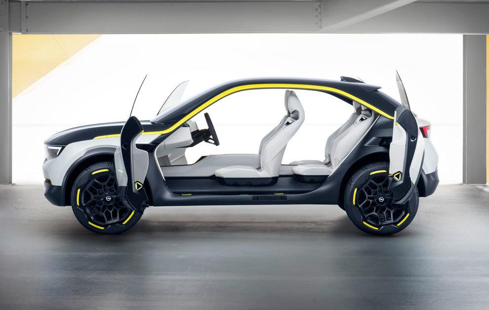 El Opel GT X Experimental Concept carece de pilar central