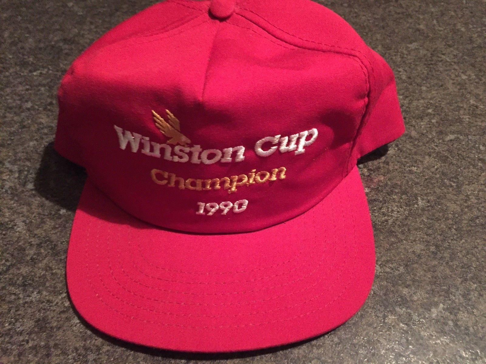 Gorra de Dale Earnhardt que subastan por 3 millones de dólares
