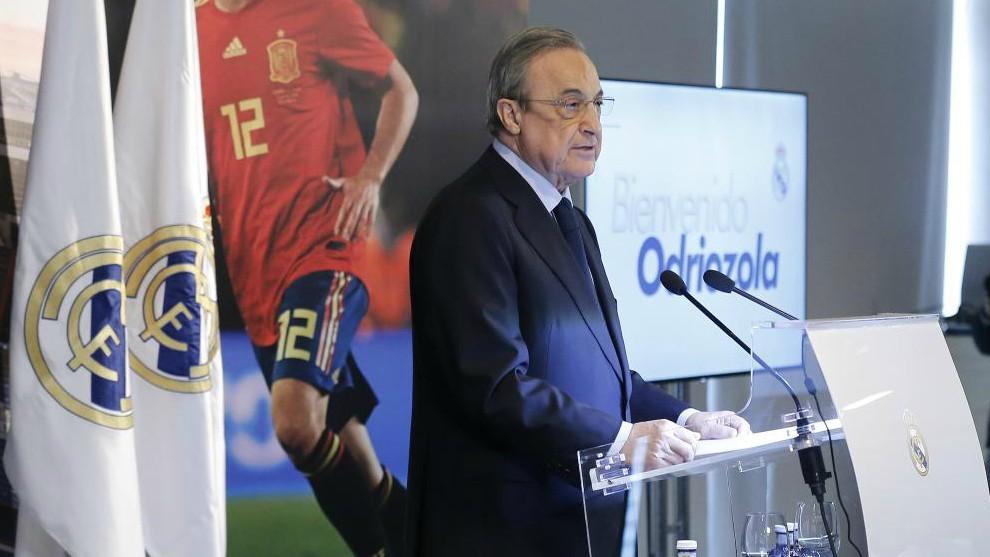 Florentino Pérez durante el acto de presentación de Odriozola en el...