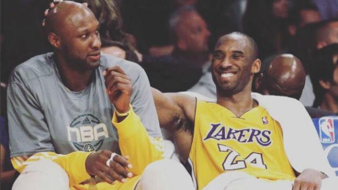 Lamar Odom y Kobe Bryant juntos en el banquillo de Los Ángeles Lakers