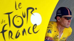 Lance Armstrong, antes de la salida de una contrarreloj del Tour de...