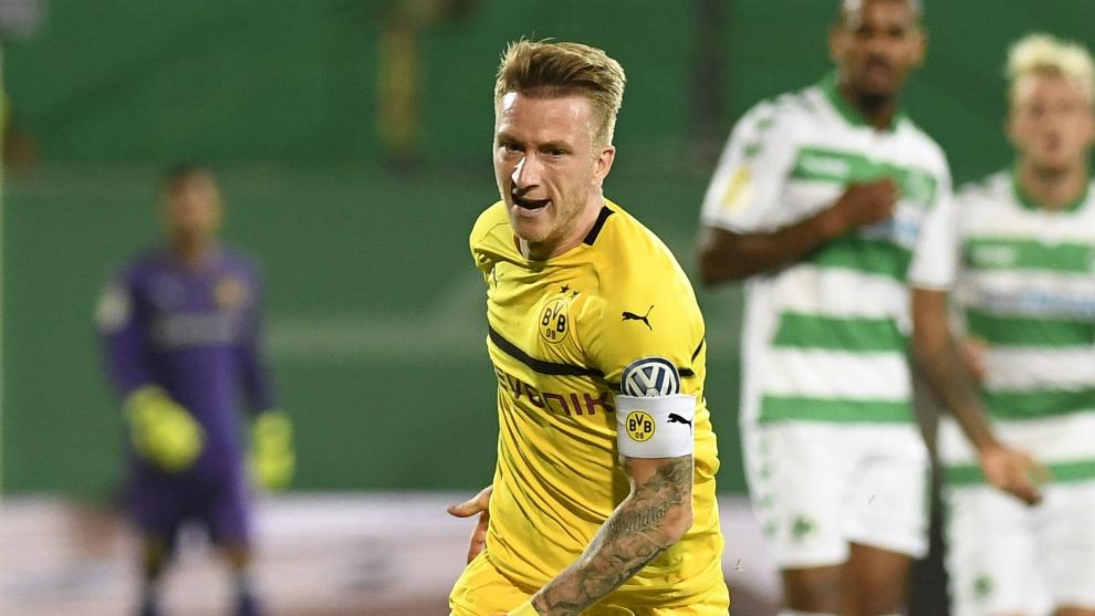 Reus, durante un partido de Copa con el Borussia Dortmund 2018-19