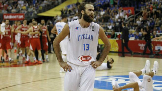 Luigi Datome jugando con la selección italiana en el Eurobasket 2015