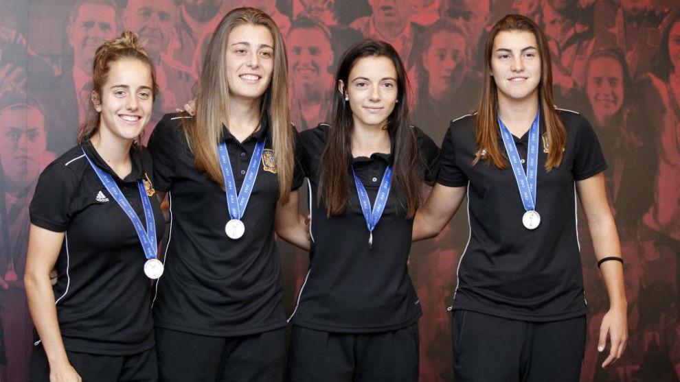 Maite Oroz, Carmen Menayo, Aitana Bonmatí y Patri Guijarro, capitanas...
