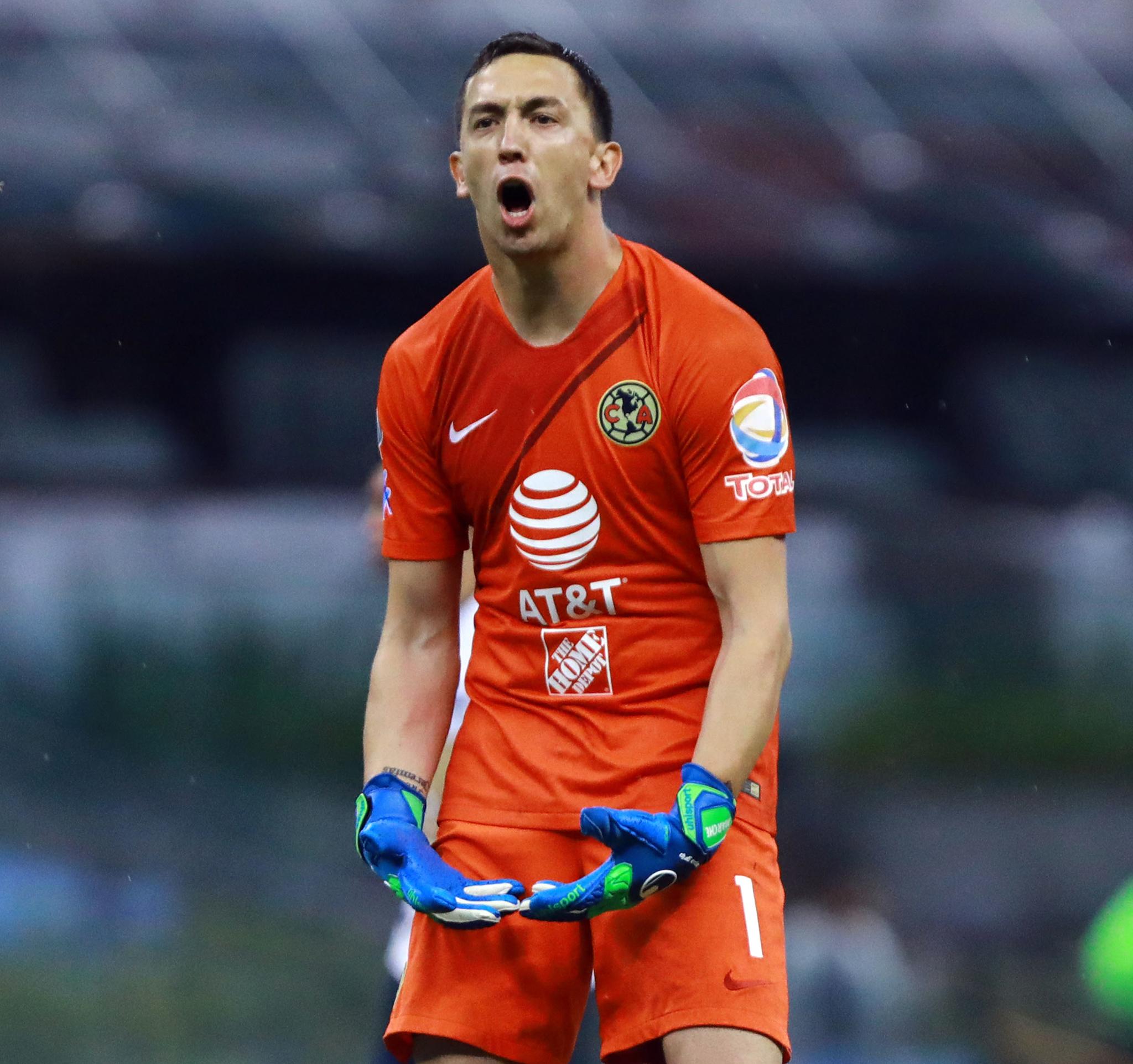 new style b1da8 6f530 América vs Pumas: Eufórico festejo de Agustín Marchesín tras ...