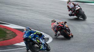Pilotos de MotoGP durante los entrenamientos en Silverstone