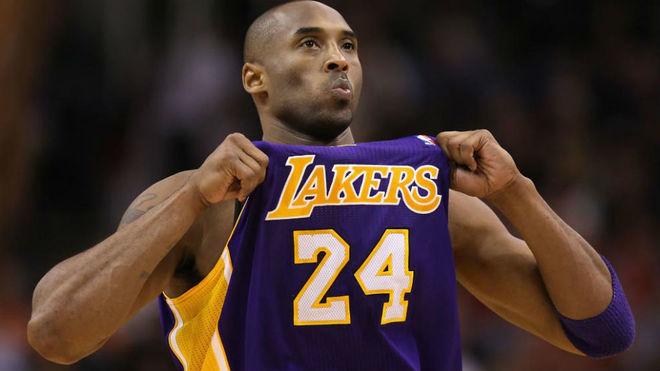 Kobe Bryant jugando con Los Ángeles Lakers