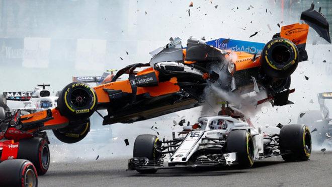 Así se dio el choque de Alonso en la arrancada.