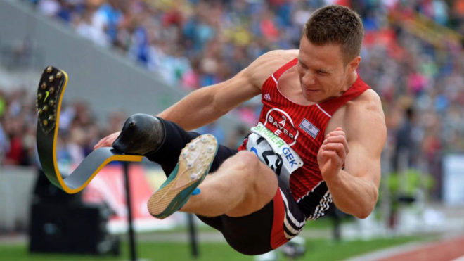 Markus Rehm, durante una competición
