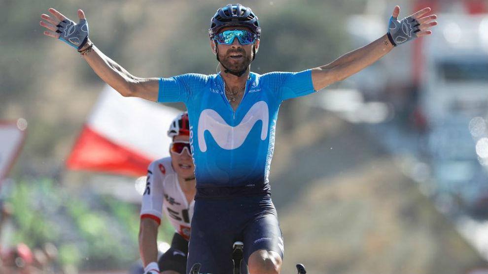 Valverde celebrando en meta su triunfo de etapa.