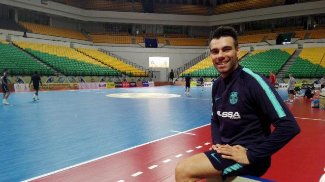 Sergio Lozano posa en la pista del Bangkok Arena, donde se disputa la...