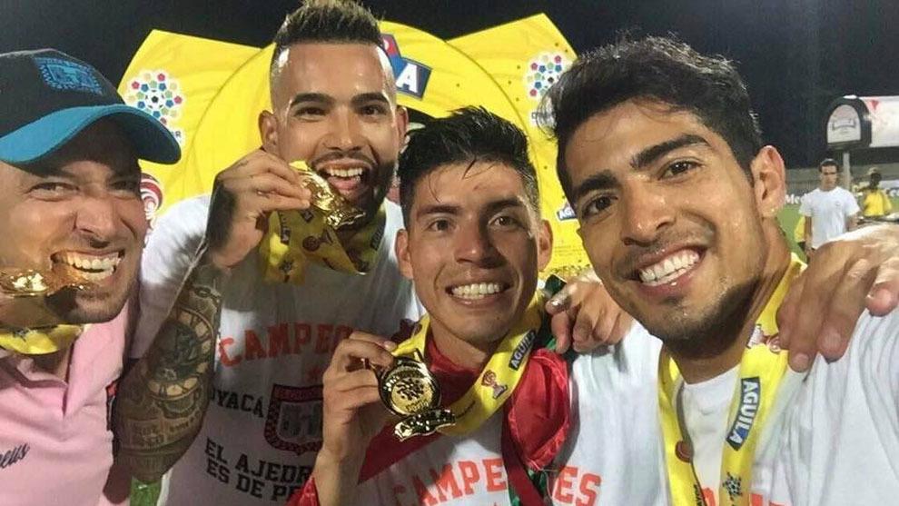 Ponce, junto a los también mexicanos Michel Vázquez, Daniel Duarte y...
