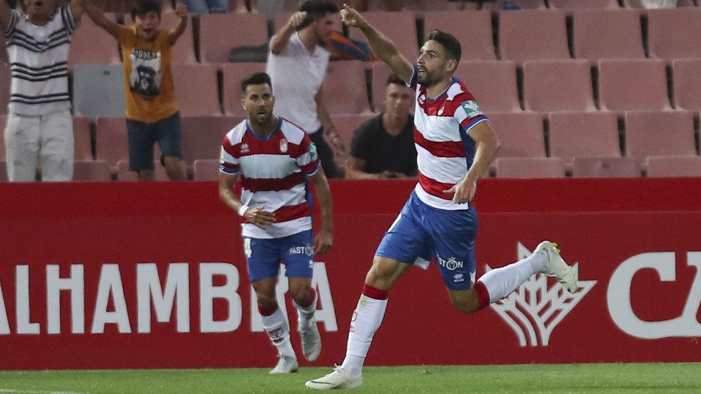 Antonio Puertas celebrando el gol que marcó el Granada contra el...