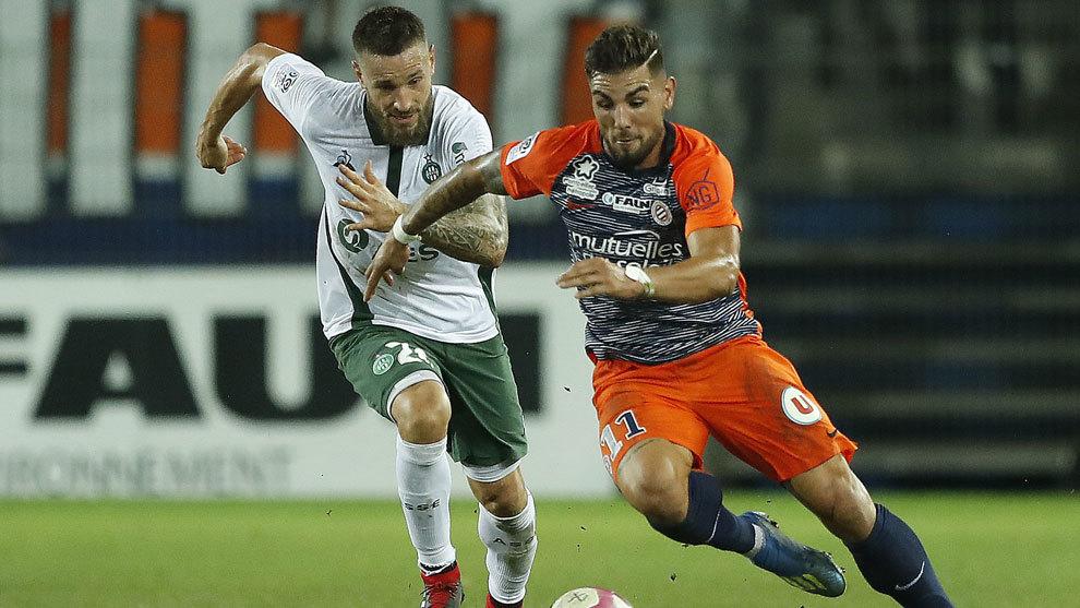 Andy Delort jugando en un partido de la Ligue 1 de esta temporada.