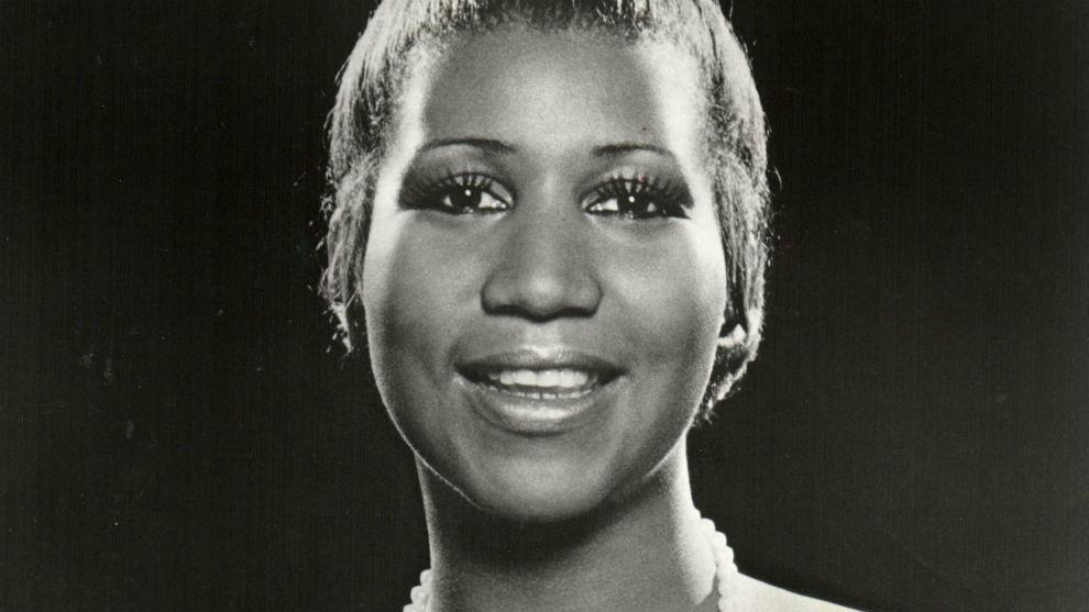 Fanáticos despiden a Aretha Franklin antes de su funeral