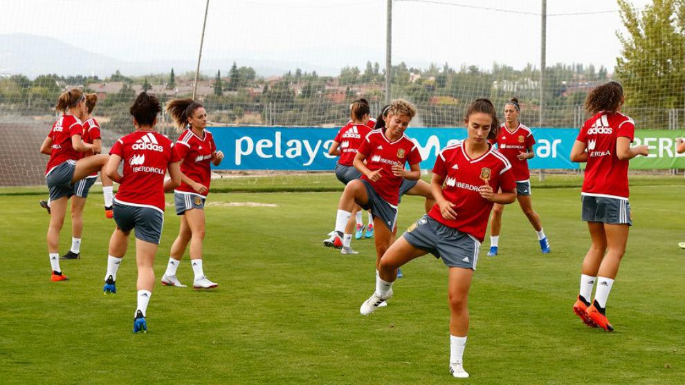 Las internacionales españolas entrenan en la Ciudad del Fútbol de...