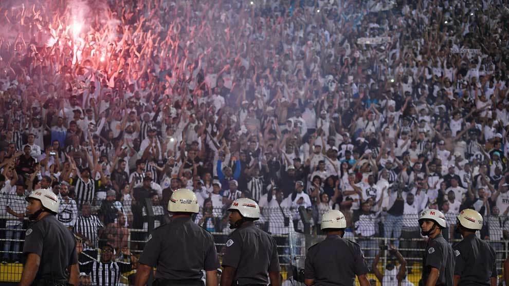 Worrying scenes in the Santos vs Independiente Copa Libertadores match