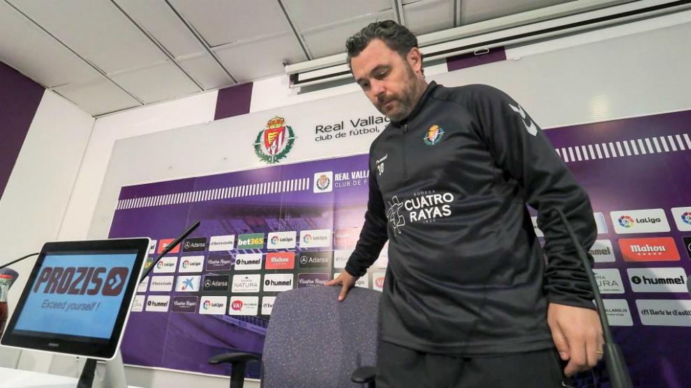 Sergio González compareciendo en sala de prensa