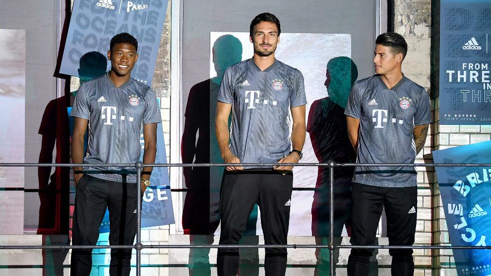 Hummels (29), Alaba (26), James Rodríguez (27) en la presentación de...