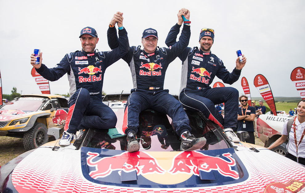 Sainz, Peterhansel y Despres correrán con Mini.