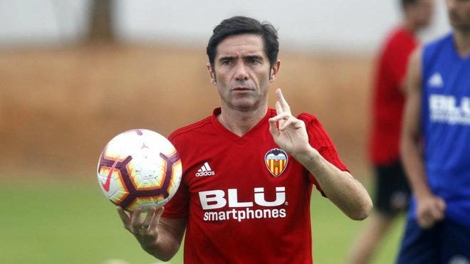 Marcelino, durante un entrenamiento en Paterna.