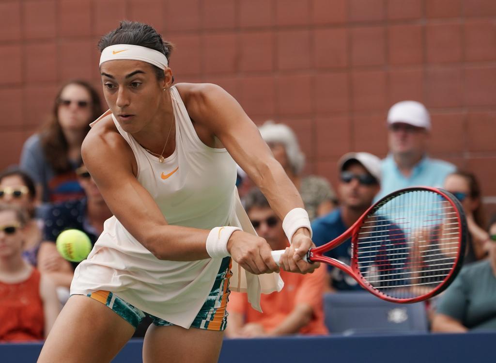 Maria Sharapova arrolla a Ostapenko y se enfrentará a Suárez en octavos