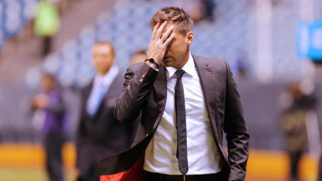 Alonso se lamenta al caer ante La Franja en el Estadio Cuauhtémoc