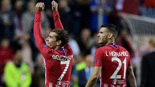Antoine Griezmann y Lucas Hernández durante la Supercopa de Europa.