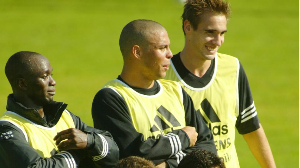 Ronaldo y Borja bromean en un entrenamiento del Real Madrid en la...