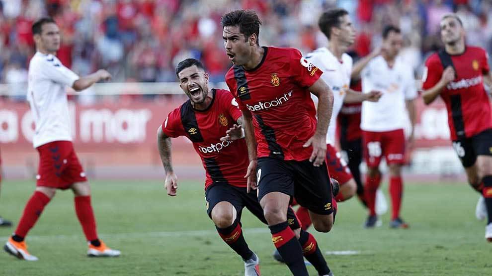 Abdón Prats celebra su gol a Osasuna en la primera jornada