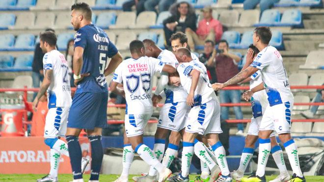 Pachuca celebra un gol ante Celaya