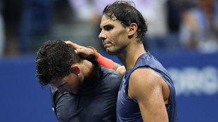 Rafael Nadal consolando a Dominic Thiem.