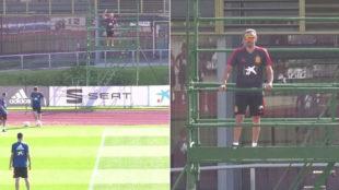 Luis Enrique dirige la sesión subido en una plataforma para las...