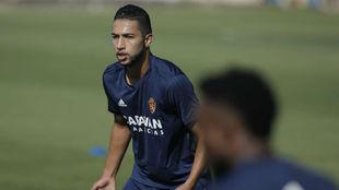 Jeison Medina durante un entrenamiento con el Zaragoza.