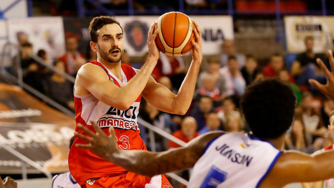 Álvaro Muñoz jugando con el Manresa en la LEB Oro