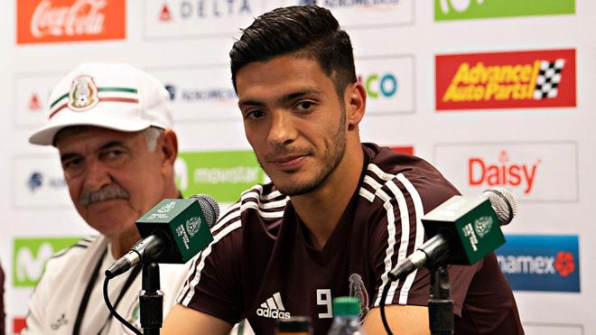 Raúl Jiménez habla sobre la selección mexicana en conferencia de...