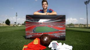 Sergi Roberto posa con una imagen de Wembley.