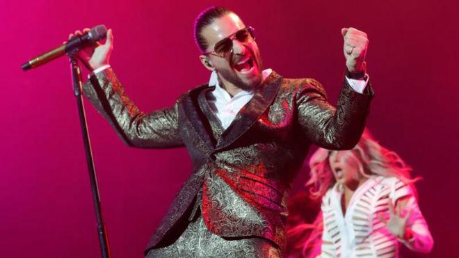 Maluma sale indemne de las críticas y enamora en su concierto en...