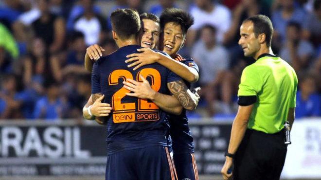 Kang In celebra un gol del Valencia en el amistoso jugado ante el...