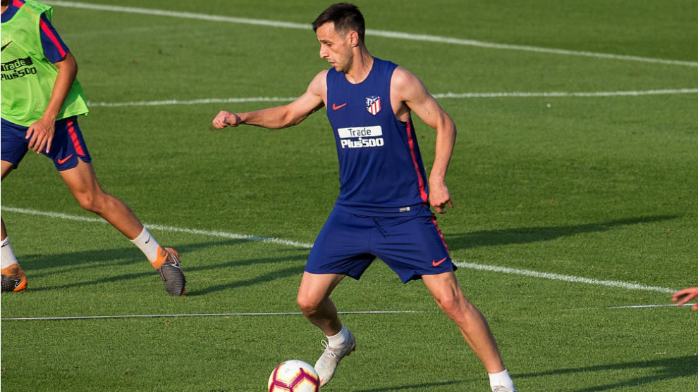 Kalinic suffers a sprained ankle in training