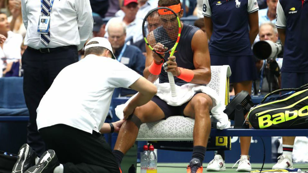 Knee pain forces Nadal to retire from his semi-final against Del Potro